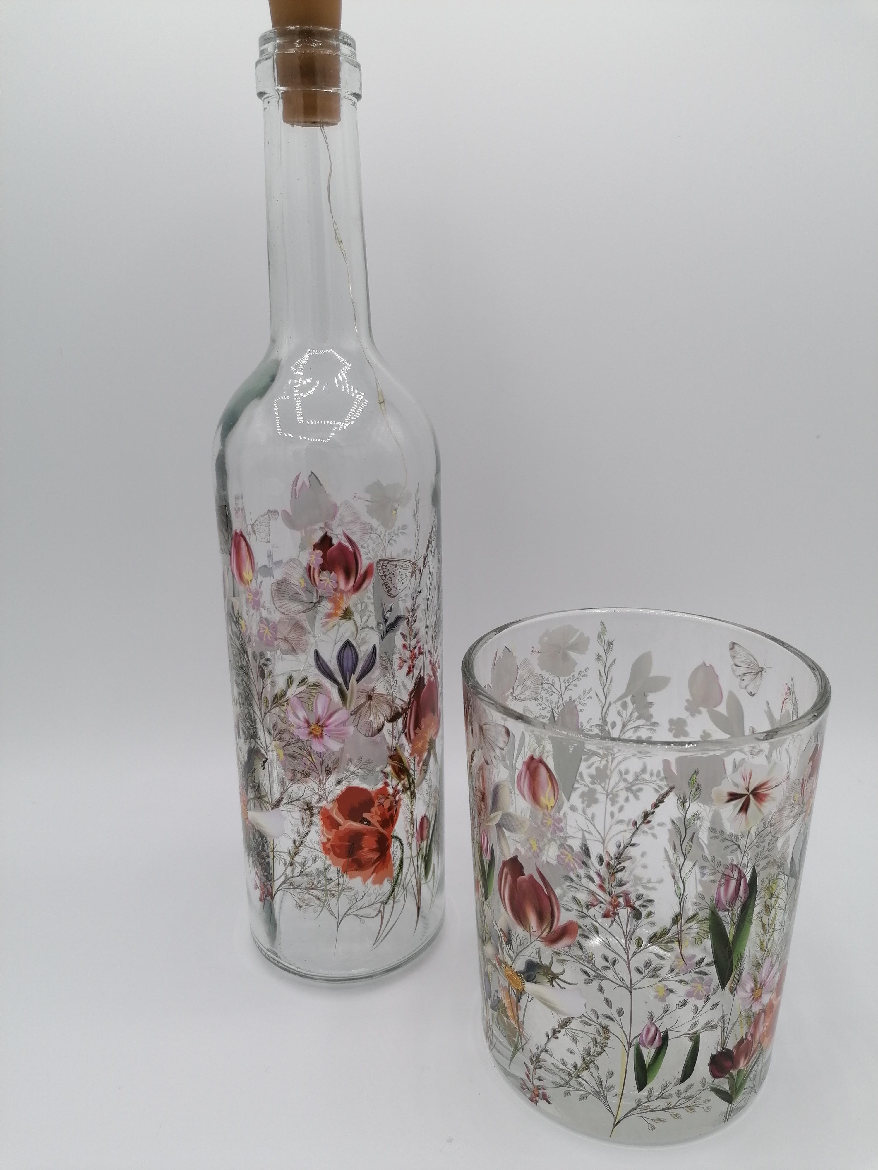 Glasflasche Blumenmotiv mit Licht