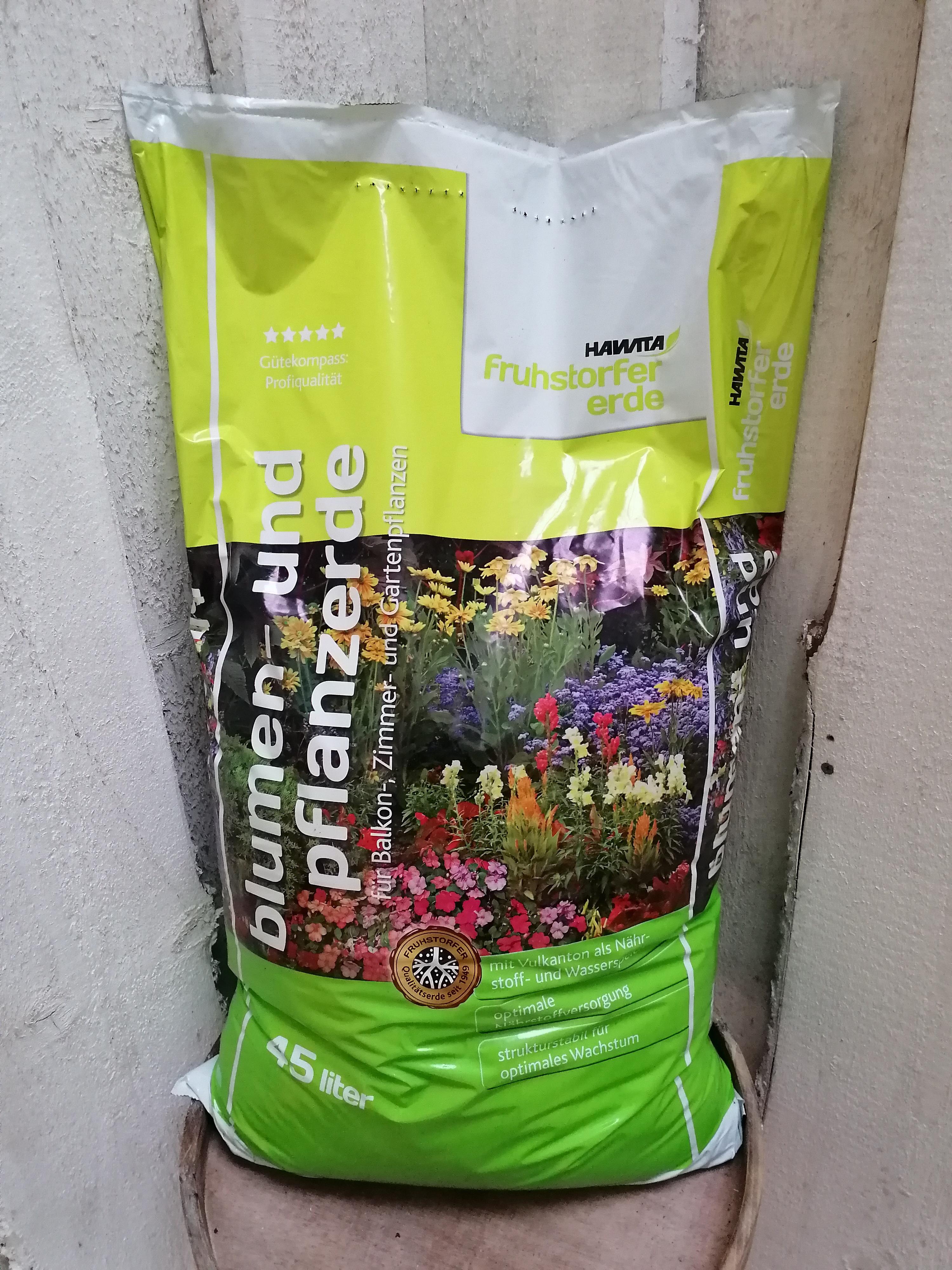 Blumen- und Pflanzerde